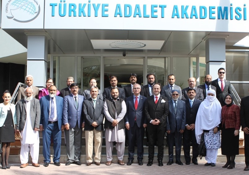 Pakistan judicial delegation visits Turkey