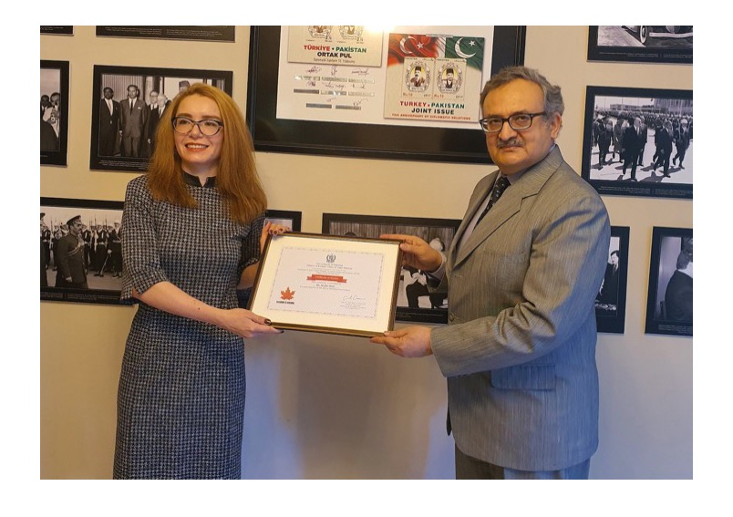 Ambassador presents Certificates of Merit and Honour to Turkish student for securing 2nd position in Kashmir declamation contest