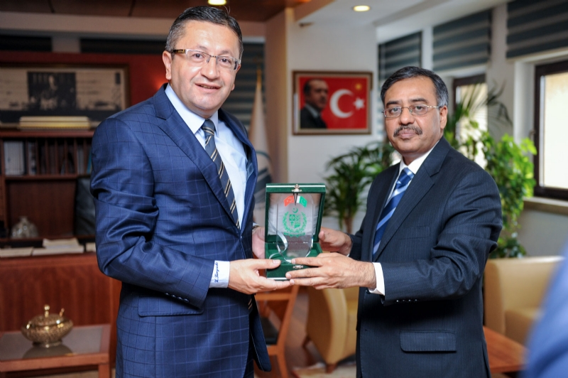 Ambassador Sohail Mahmood meets with Altindağ Municipality Mayor