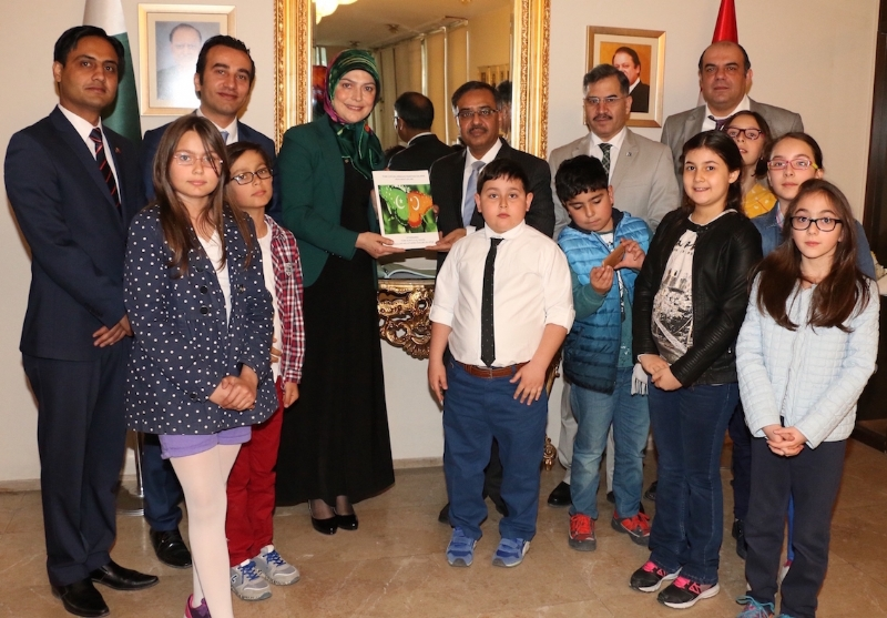 Moving letters by Turkish school children to Pakistani nation thanking for support in Turkish War of Independence