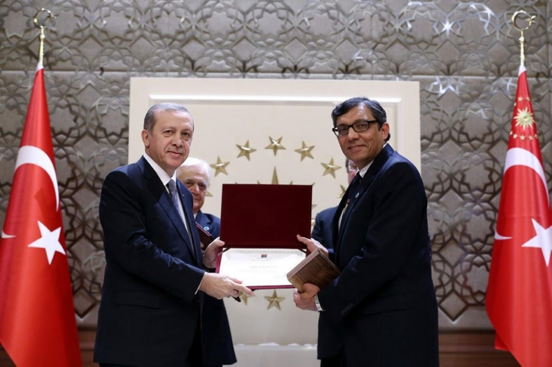 Noted Pakistani Physician receives Turkish award from President Erdogan