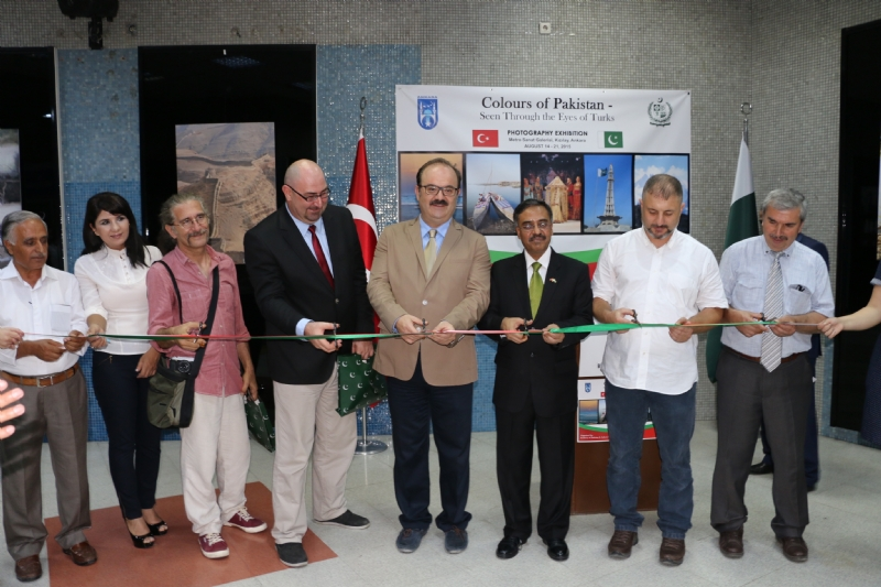 "Photography Exhibition ""Colours of Pakistan – Seen Through the Eyes of Turks"" launched in Ankara"