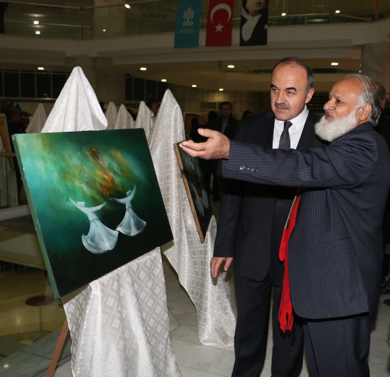 Renowned Pakistani artist displays art works in Konya as part of exhibition commemorating Rumi