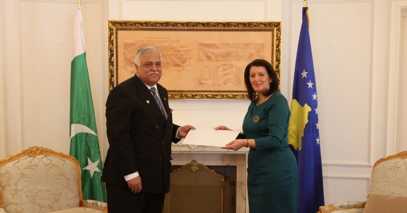 First Pakistani Ambassador to Kosovo presents Letter of Credence to Kosovo President
