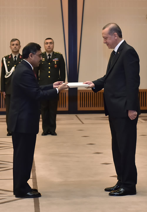 Ambassador Sohail Mahmood presents Credentials to President Erdoğan; Commitment to further deepen Pakistan-Turkey relations in all fields reaffirmed