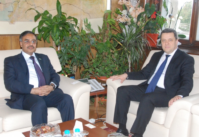 Pakistan and Turkey seek closer collaboration in Railways sector