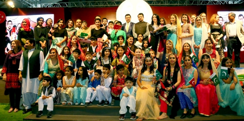Pakistani cultural performance enthrals audience in Ankara