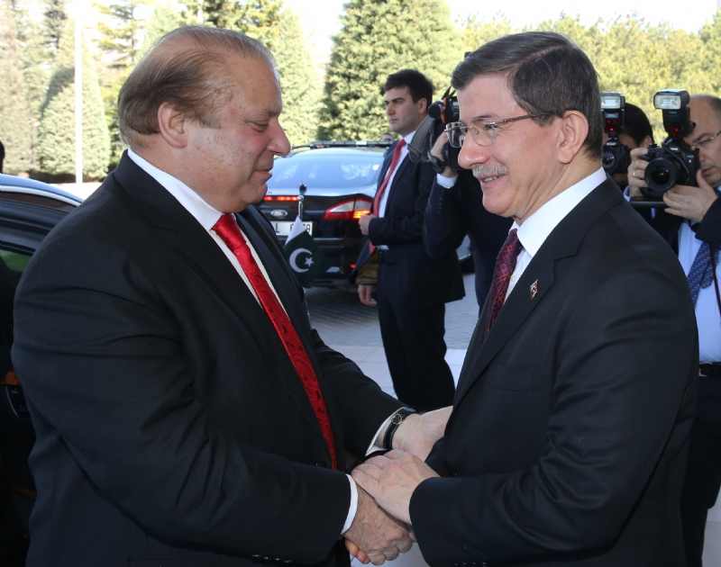 Pakistan-Turkey leaders confer on regional situation; reaffirm commitment to work jointly for peaceful resolution in Yemen