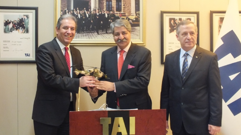 Pakistan Deffence Minister visits Turkish Aerospace Industries