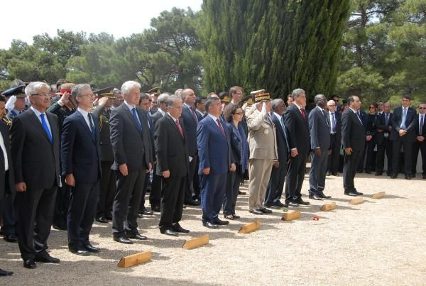 Defence Minister leads Pakistan delegation to the 99th commemoration of Çanakkale battle