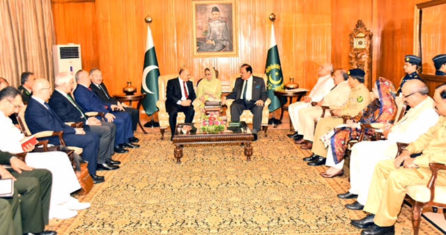 Turkish Defence Minister calls on President of Pakistan