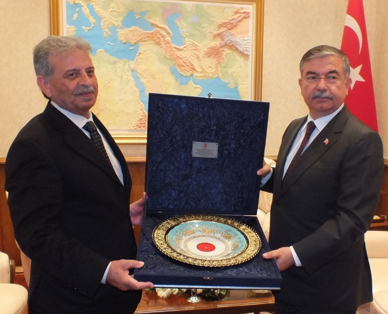 Turkey-Pakistan pledges to intensify defence cooperation